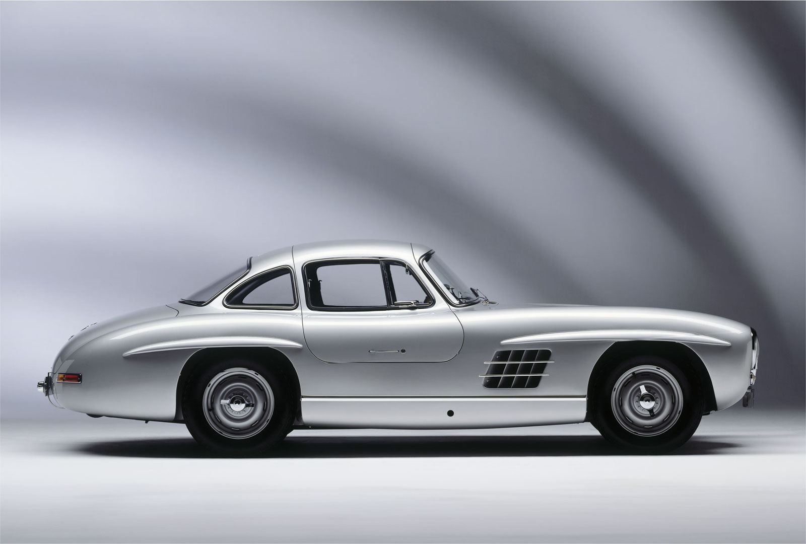 adelante de su tiempo mercedes benz 300sl. Black Bedroom Furniture Sets. Home Design Ideas