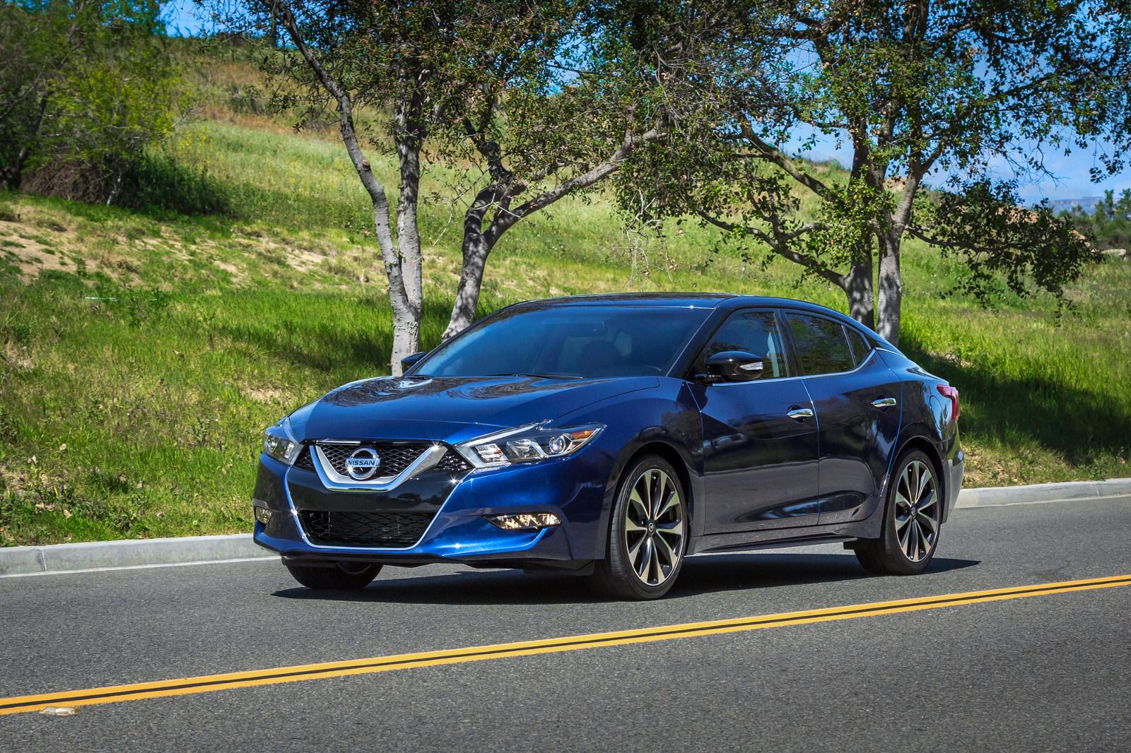 Nissan finalmente lanza el carro con mejor figura de la ...