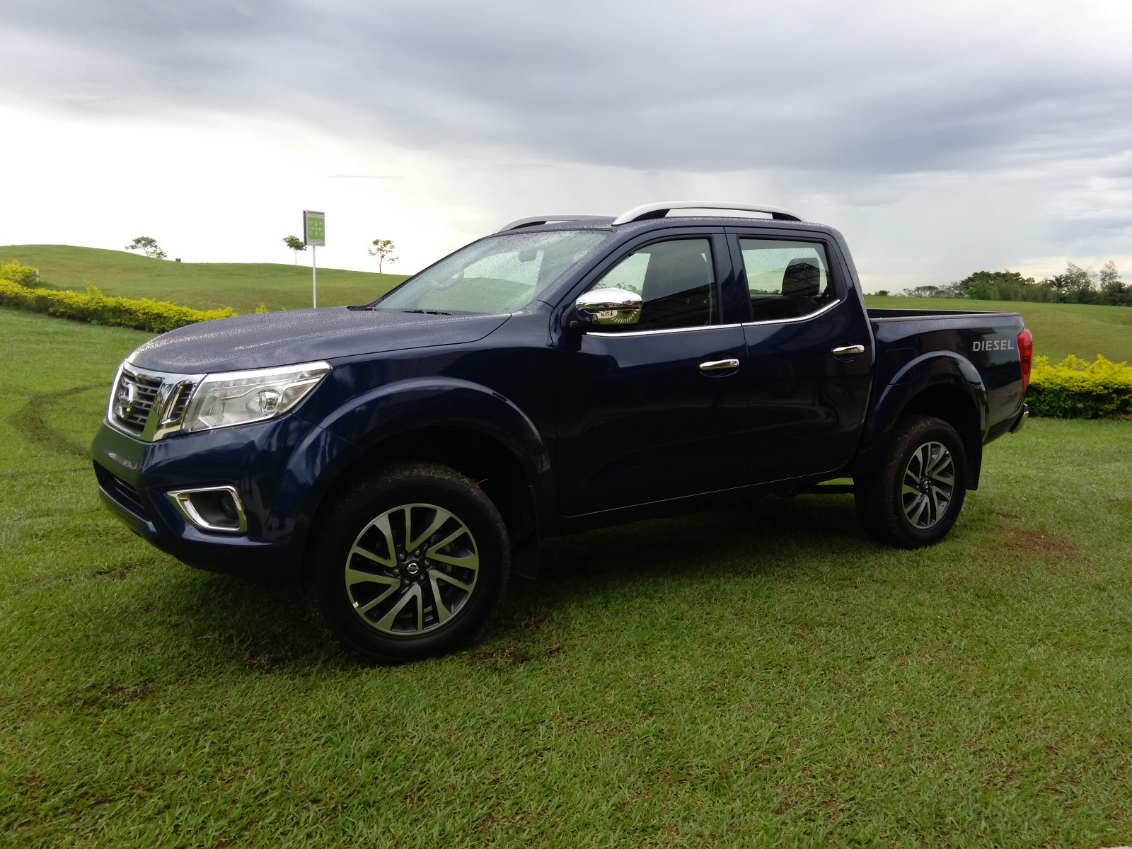 v6 nissan navara diesel autos post. Black Bedroom Furniture Sets. Home Design Ideas