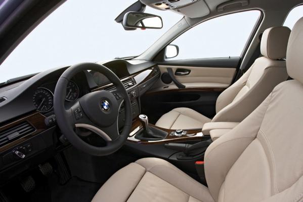 bmw320-interior