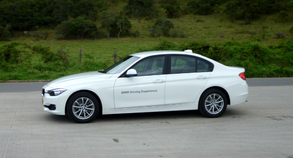 bmw-320i-lado-art