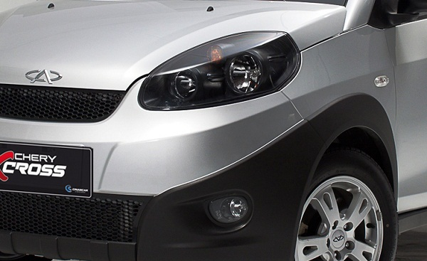 chery-xcross-luces-art